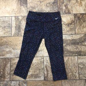 Women's medium Nike Dri-fit capri leggings